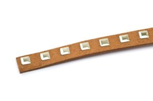 suede band 10mm camel with square rivets gold x3m