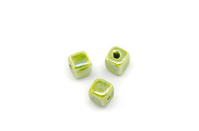 ceramic cube 8mm electric green x25pcs