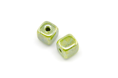 ceramic cube 12mm electric green x25pcs