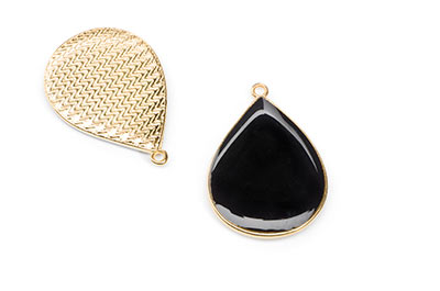 black enamelled drop pendant black 32x23mm x5pcs