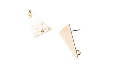 clous d'oreilles laiton triangle 13*23mm doré x6pcs