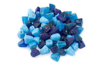 mélange perles pyramide 10mm turquoise 100g