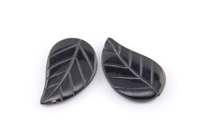 black horn leaf 40x25mm x1 std (approx 10pcs)