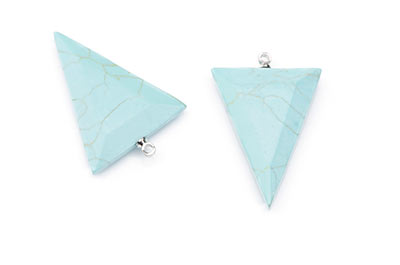 faceted triangle turquoise synthetic pendant 24X32mm x4pcs